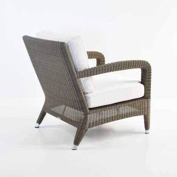 Outdoor Relaxing Wicker Chair Kubu back view