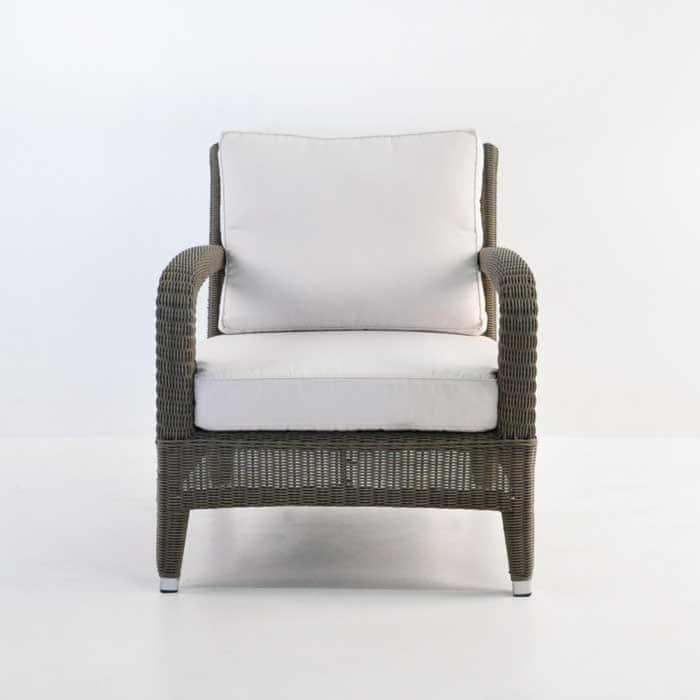 Outdoor Relaxing Wicker Chair Kubu front view