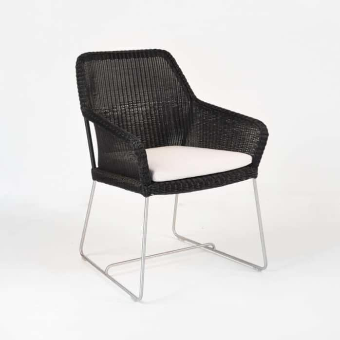 darling wicker dining chair with cushion