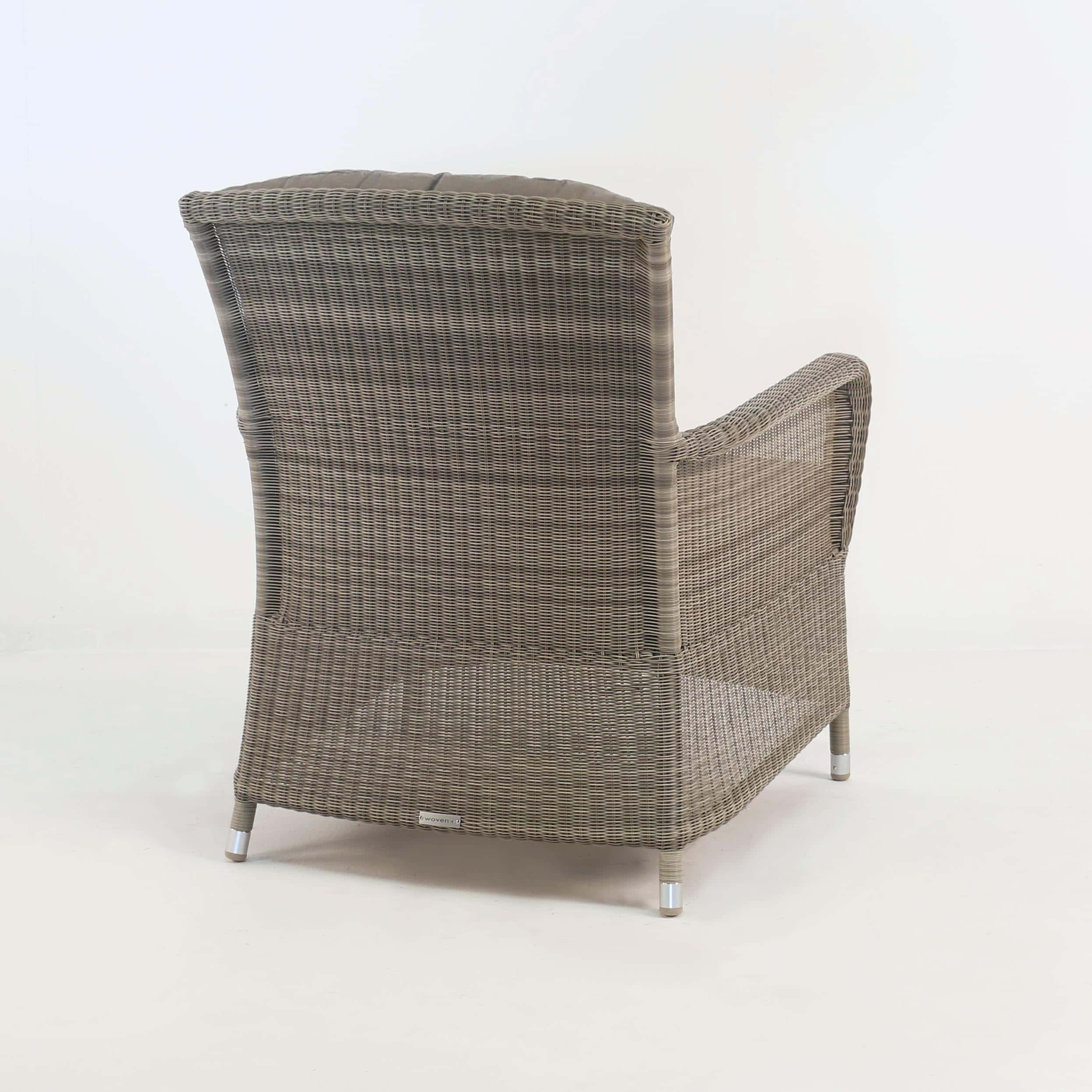 Gilbert occasional relaxing chair seaside design for Relaxing chair design