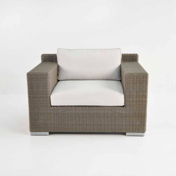 Henry Outdoor Wicker Club Chair (Kubu)-678