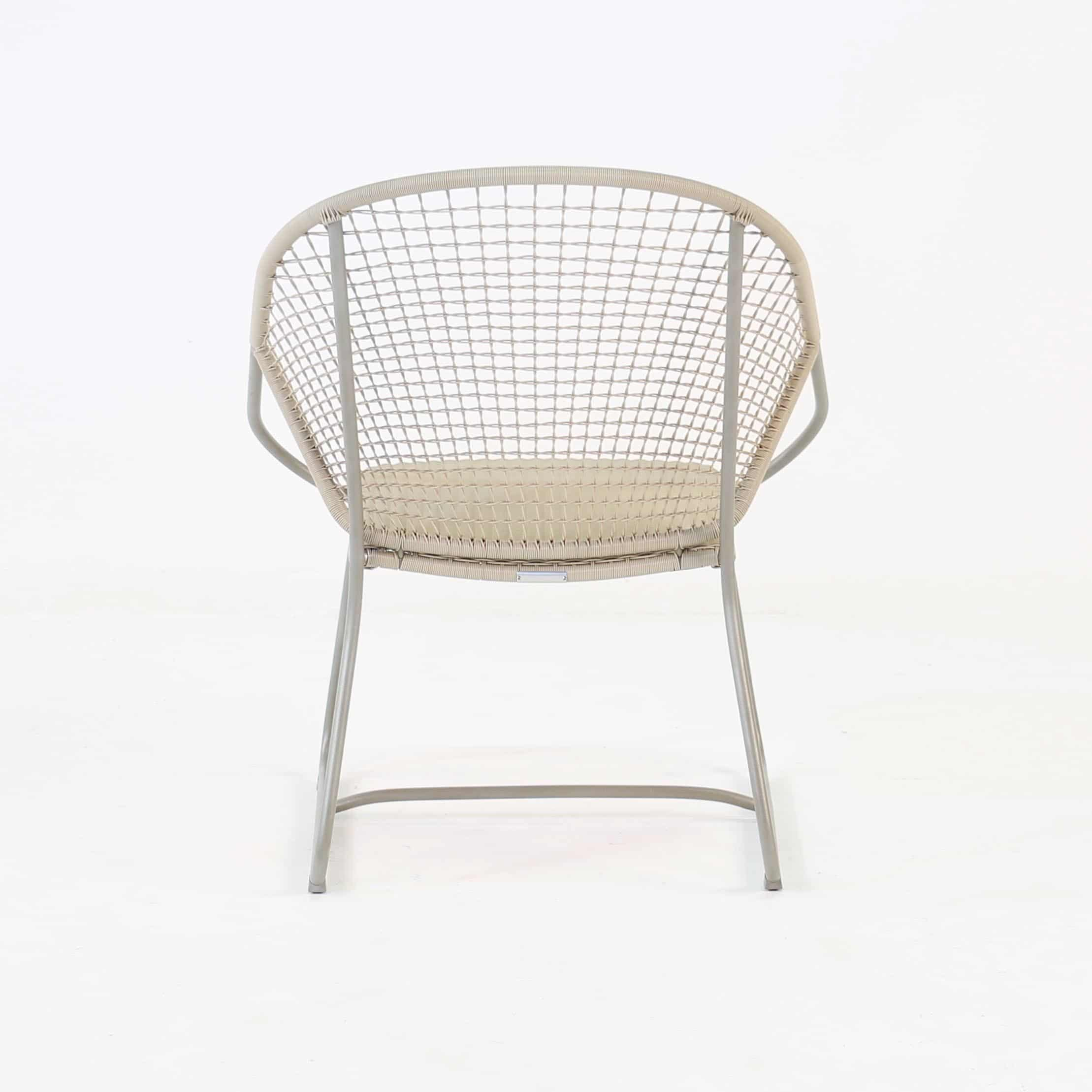 Outdoor Wicker Relaxing Arm Chair front view