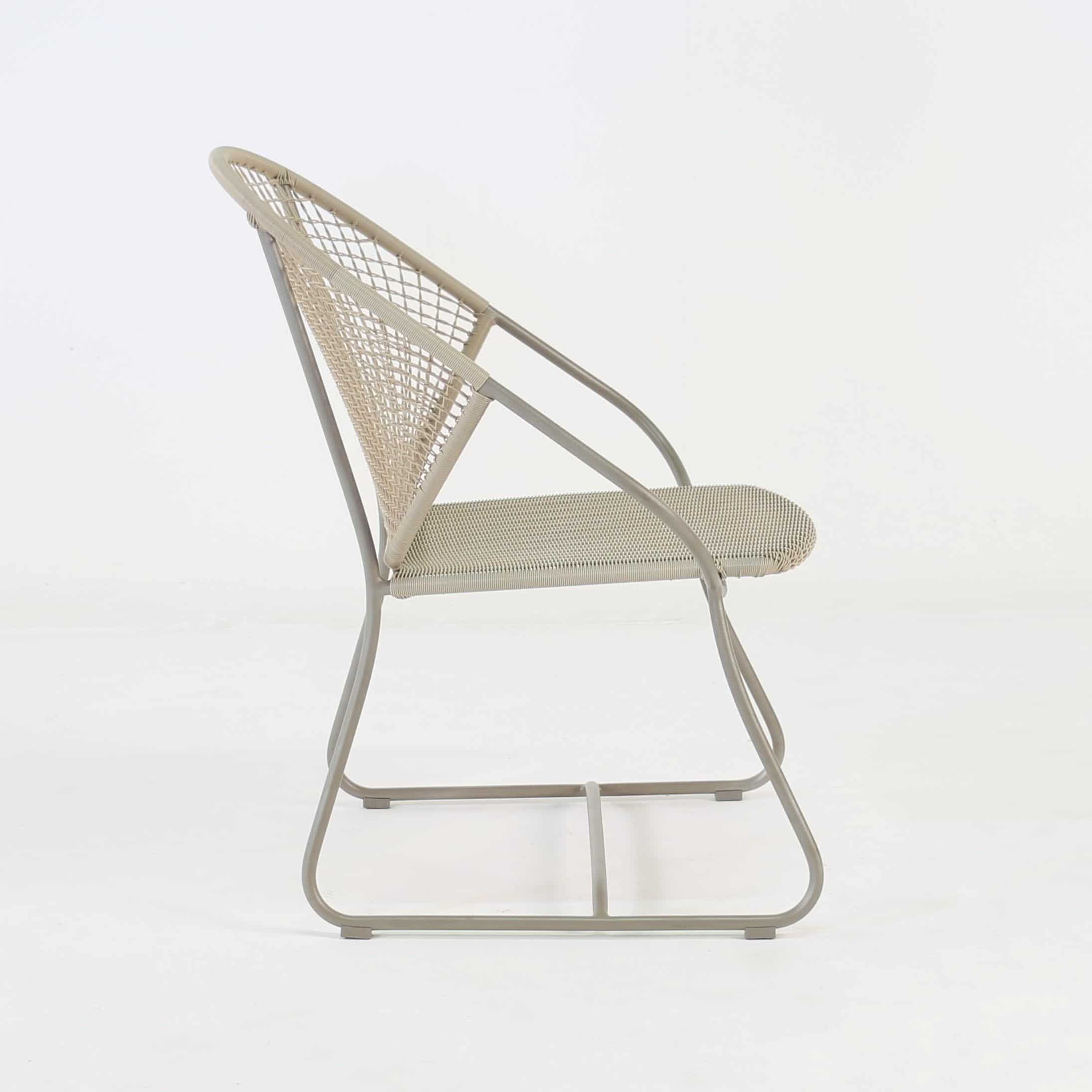 Outdoor Wicker Relaxing Arm Chair side view