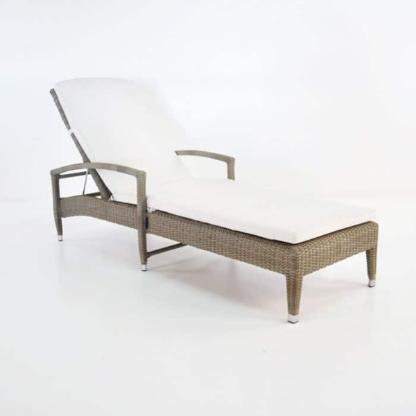 Roberto Outdoor Wicker Sun Lounger (Kubu)-0