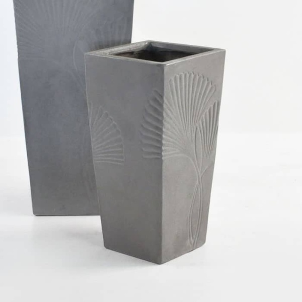 ginko raw concrete planter closeup