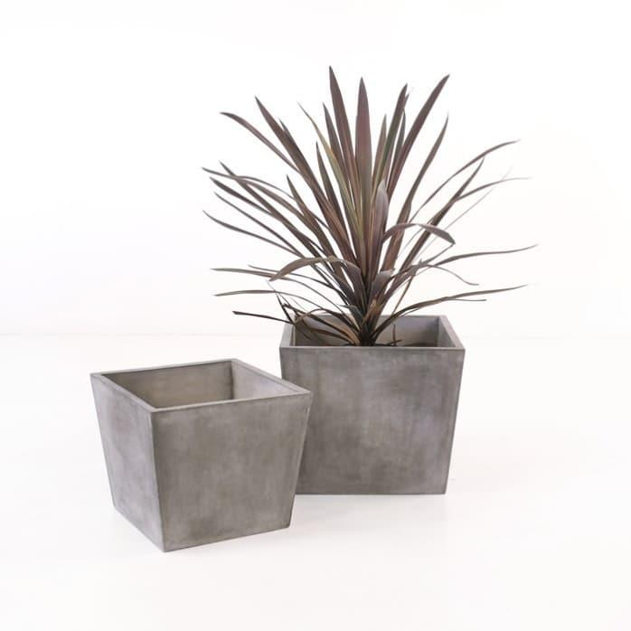 modern square concrete planter Blok