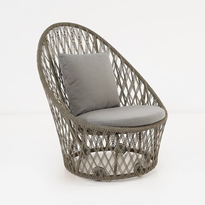 Sunai brown wicker relaxing chair
