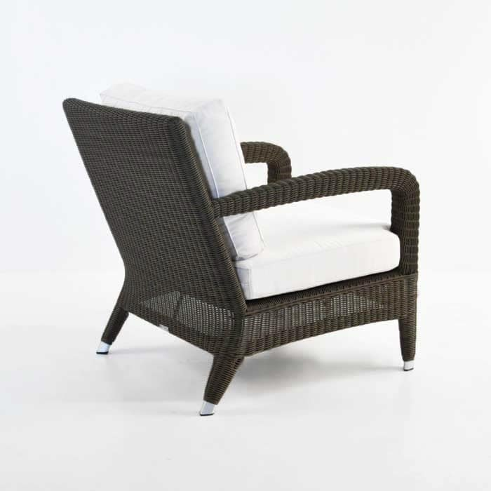 Aaron outdoor relaxing wicker chair java brown design for Relaxing chair design