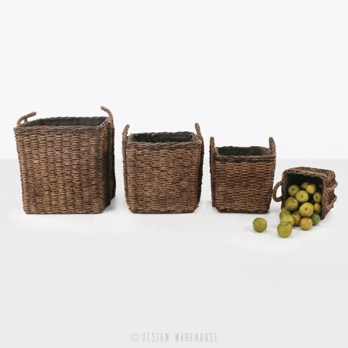four square rope baskets with apples