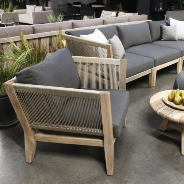 ventura deep seating collection