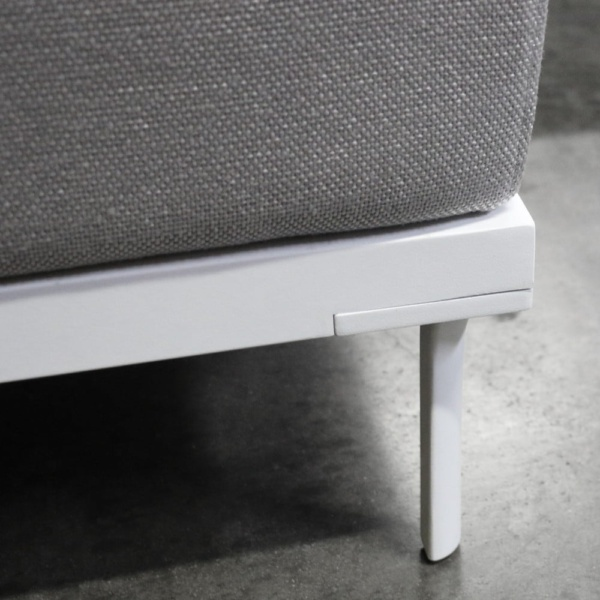Kobii aluminium deep seating ottoman white