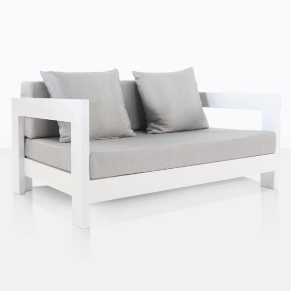 White aluminium relaxing chair