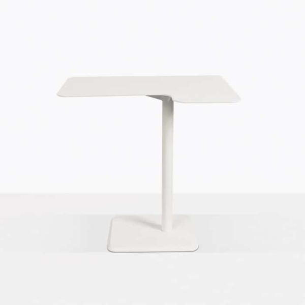 lulu outdoor accent table corner straight view