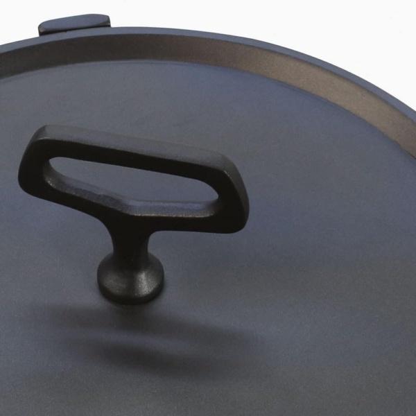 Peppi Aluminum Accent Table Closeup