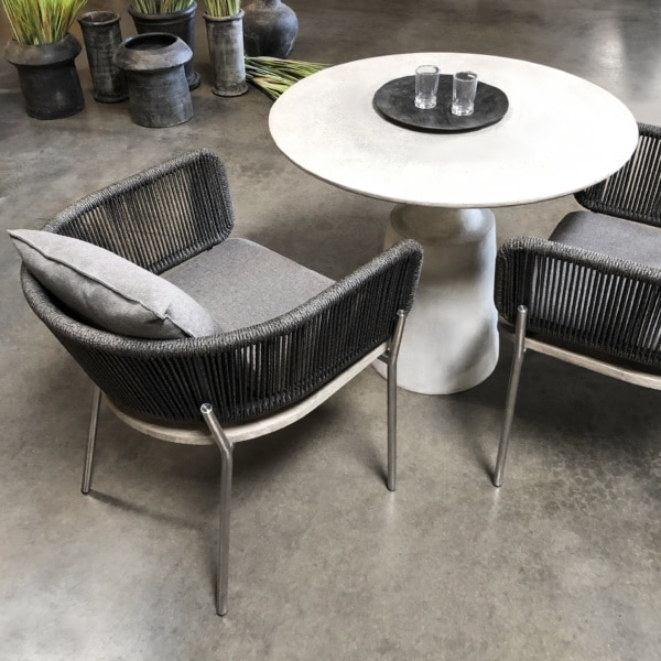 studio dining chair vertical