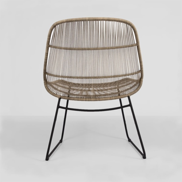 oliver outdoor wicker chair - relaxing