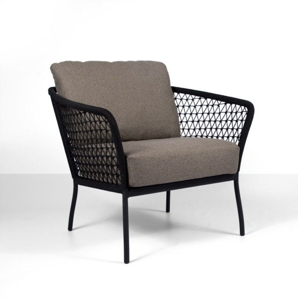 lola outdoor rope relaxing chair