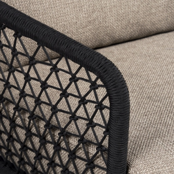 up close lola weave