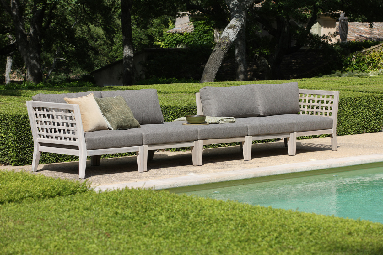 Poolside Deep Seating for Spa-like Oasis
