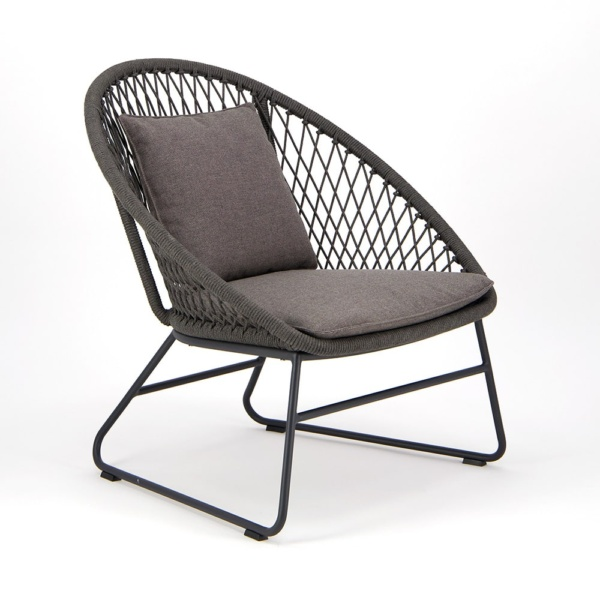 Zaha Outdoor Lounge Chair Cross Weave - Angle View
