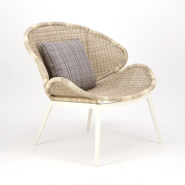 Scoop Outdoor Woven Relaxing Chair - Angle View