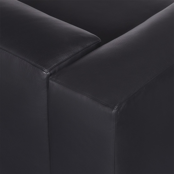 Capri sectional kalahary black leather - closeup