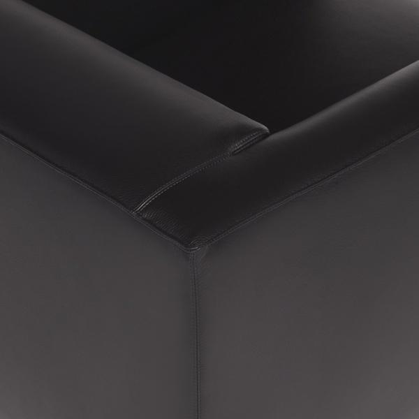 Modena small armchair kalahary black leather - closeup view